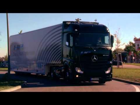 Daimler | Erster teil-autonom fahrender Serien-Lkw auf öffentlichen Straßen