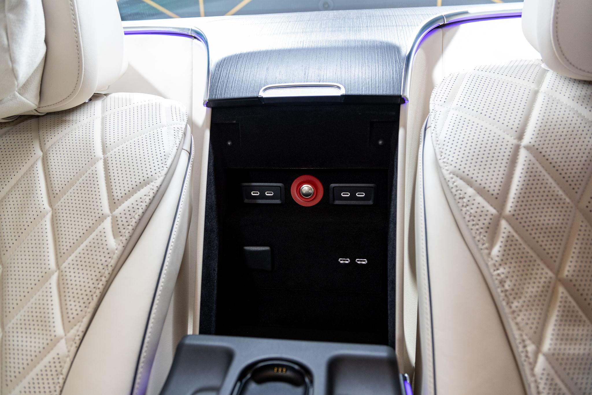 Werttransport durch München - gut geschützt im Mercedes-Benz S 680 Guard