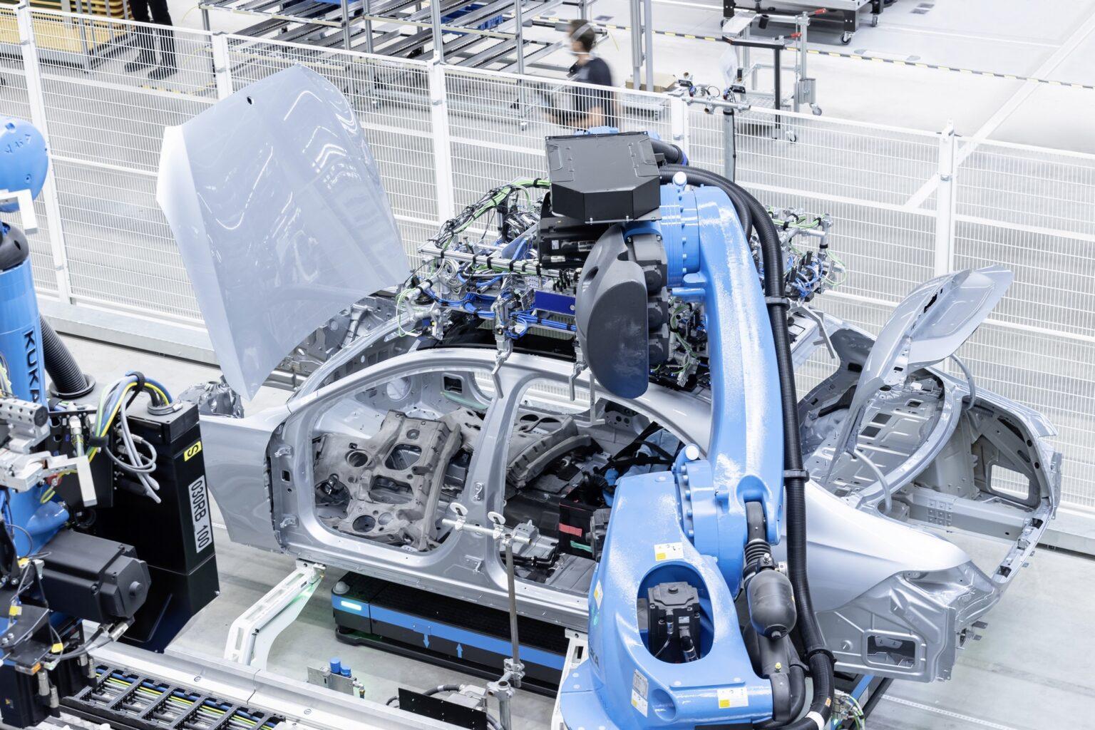 Mercedes-Benz beendet größtenteils Produktionsstopp