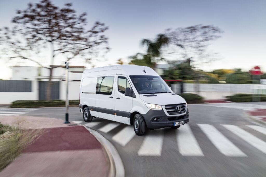 Daimler verkauft im November wieder mehr Autos