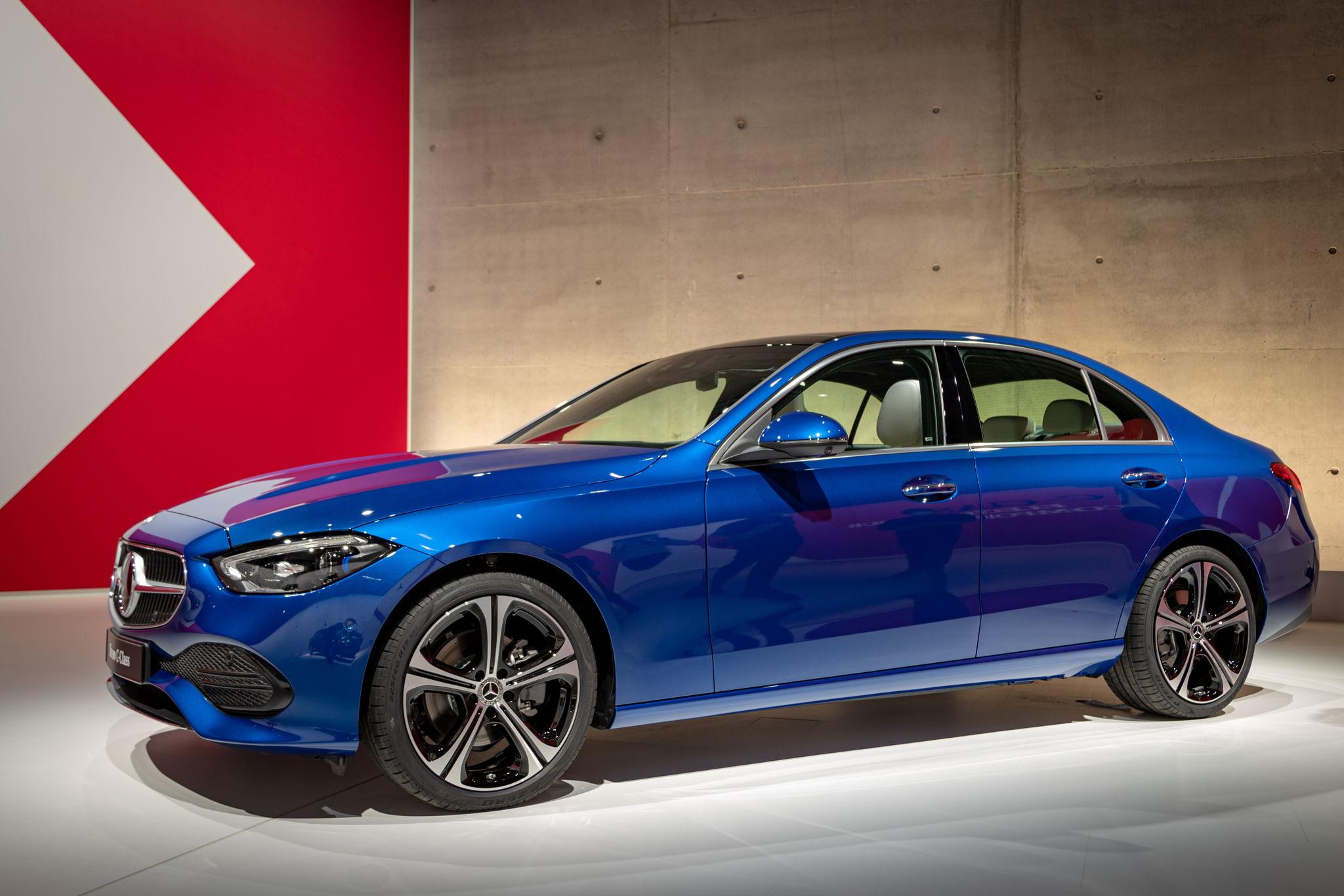 Detaillierter Blick auf die neue C-Klasse als Limo & T-Modell von Mercedes-Benz