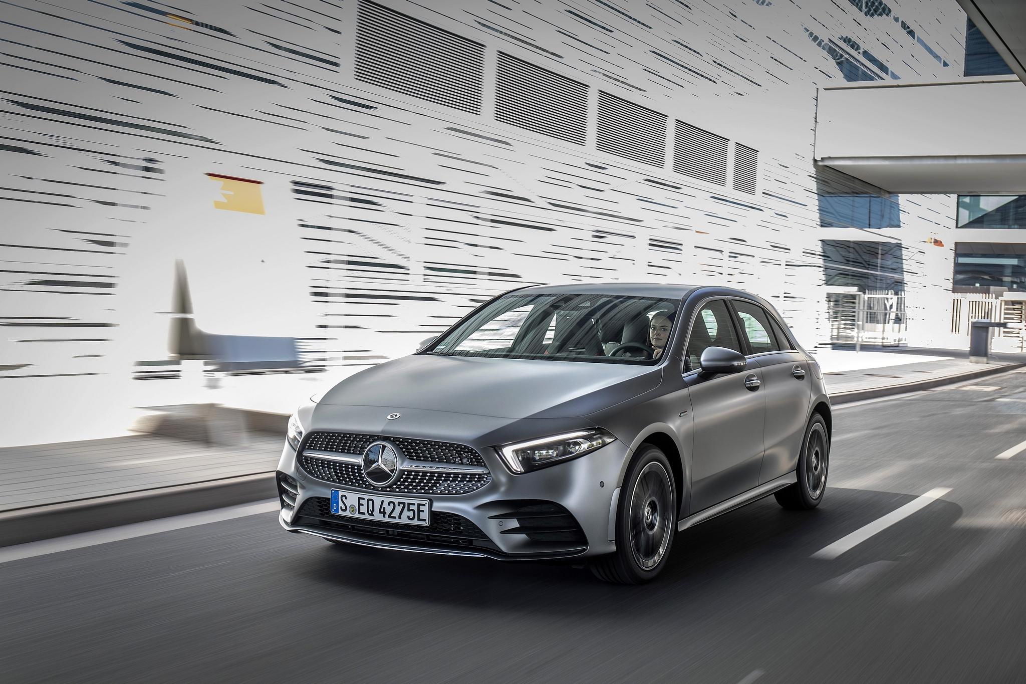 Wissenswertes zur Fahrzeugsteckdose bei Mercedes-Benz