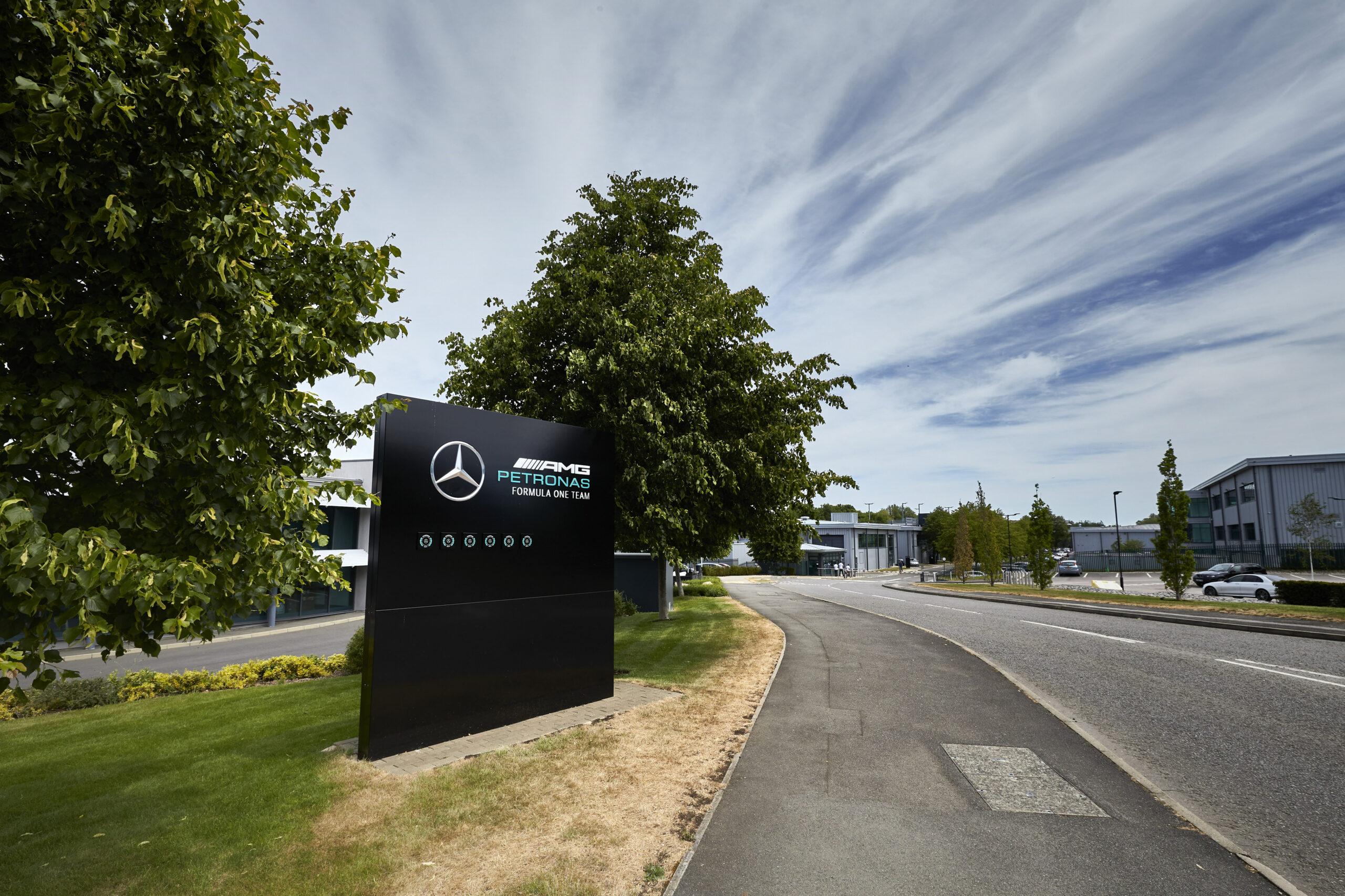 Mercedes-AMG-Formel-1-Team-erh-lt-FIA-3-Sterne-Umwelt-Pr-fsiegel