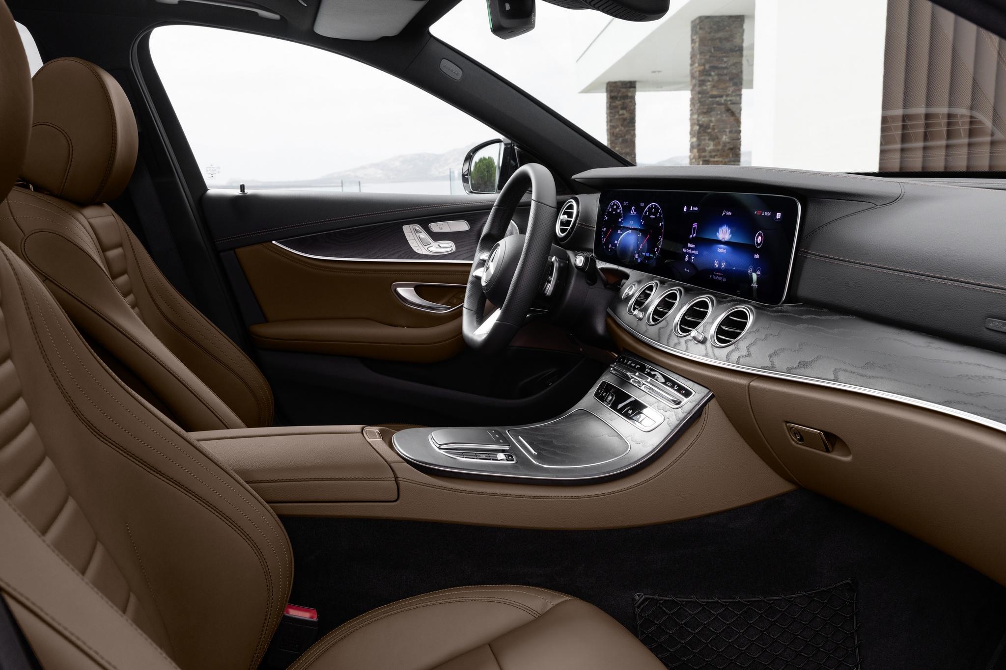 Engpass bei Widescreen Cockpit für E-Klasse Limo & T-Modell