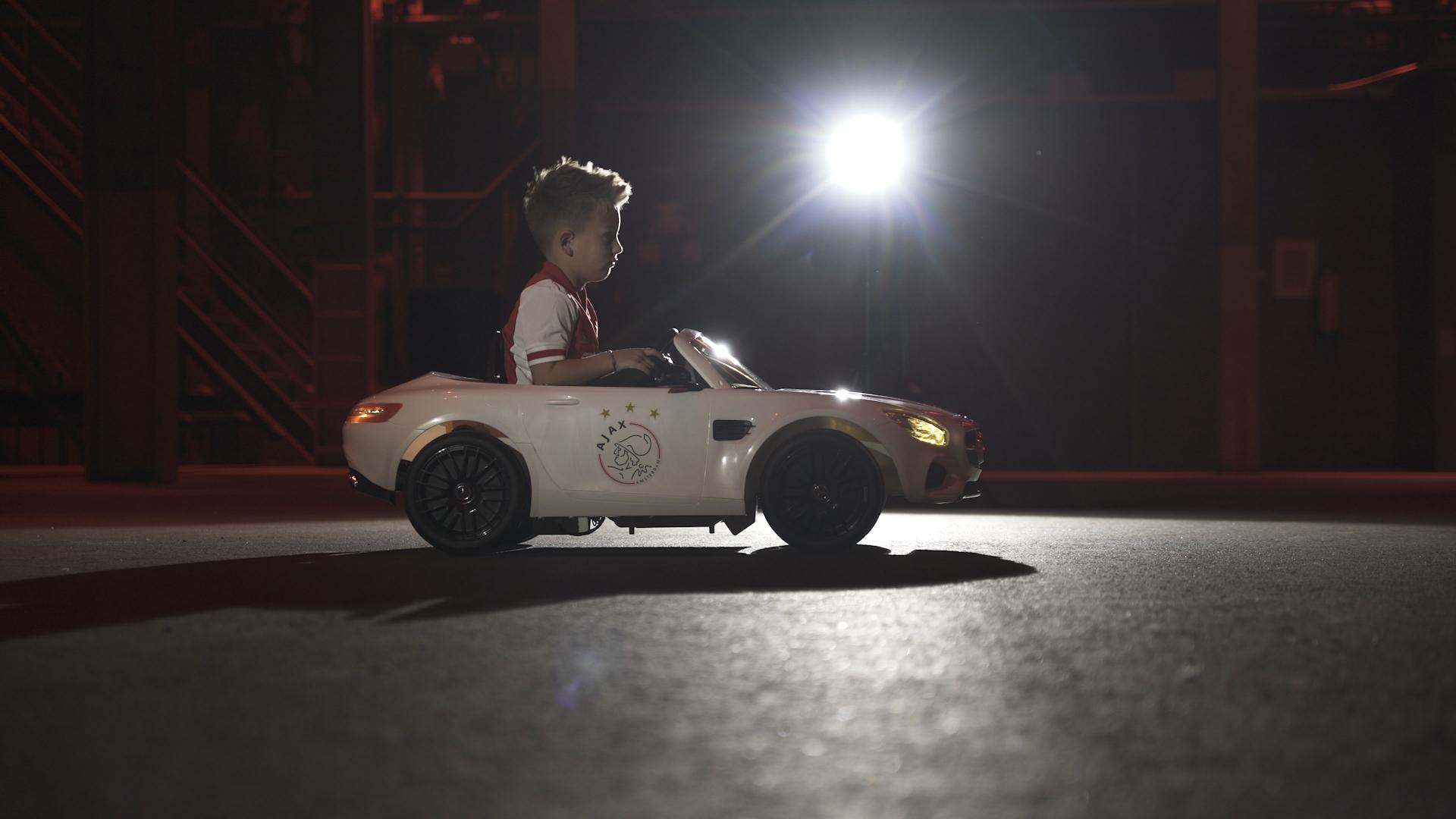 Mercedes-Benz weiterhin Sponsor von Ajax